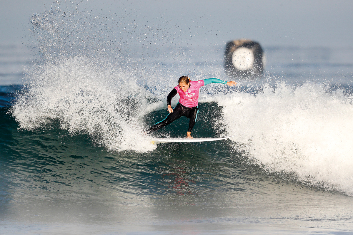 6X World Champion Stephanie Gilmore of Australia advances directly to the Quarterfinals of the 2017 Roxy Pro France after winning Heat 1 of Round Three at Hossegor, Landes, France today Sunday October 8, 2017.  Photo: © WSL / Masurel