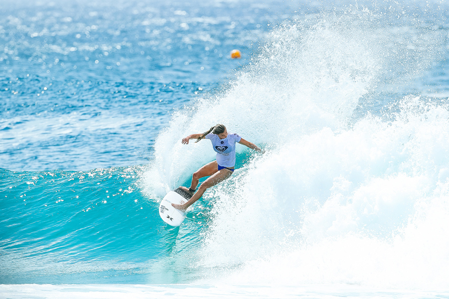 SNAPPER ROCKS FIRES FOR THE ROXY PRO