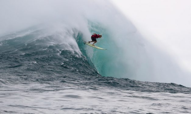 Keala Wins Jaws Challenge at Pe'ahi