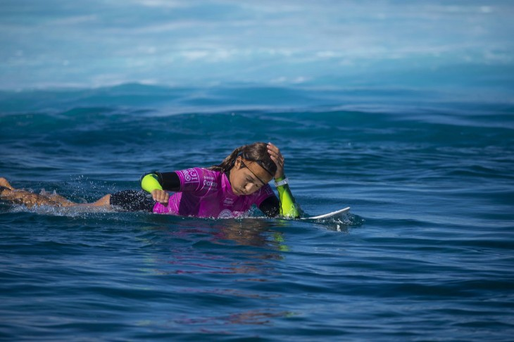 Sally Fitzgibbons with bandaged head gear during her winning Round 3 heat.